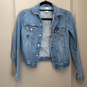 H&M light Jean Jacket size 2
